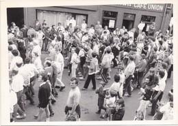 RONSE - RENAIX - Foto Photo (afm. 17,5 Cm X 12,5 Cm) - 1970/1980 - Café Union - Veel Mensen - Ronse