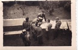 PHOTO ORIGINALE 39 / 45 WW2 WEHRMACHT FRANCE LA MARETTE 1941 OFFICIERS ET SOLDATS ALLEMANDS EN REUNION - Guerre, Militaire