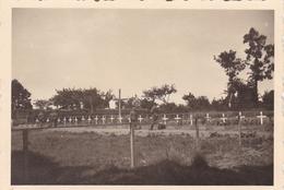 PHOTO ORIGINALE 39 / 45 WW2 WEHRMACHT FRANCE CALAIS JUIN 1940 VUE SUR LE CIMETIÈRE MILITAIRE - Guerre, Militaire