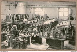 29 / CONCARNEAU - Huilage Des Boîtes De Sardines (conserverie, Sardinerie) - Concarneau