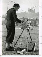 PHOTO ANIMÉE . LYON. Sur Le Sujet Au Pont Du CHANGE 1938 . Vue De Fourviere . Peintre, Peinture, Tableau, Chevalet - Places