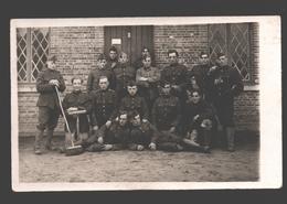 Originele Fotokaart / Carte Photo Originale - Soldaten / Militaires - 19e Linieregiment Kamp Beverloo - Caserme