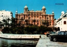 CPM - ALICANTE - PORT Et COMANDANCIA ... (voitures) - Alicante