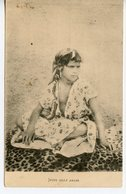 1607. CPA (ALGERIE ?) JEUNE FILLE ARABE 1906 - Women
