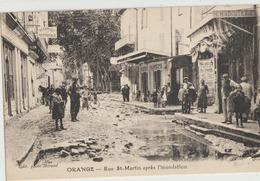 Orange  84   La Rue Saint-Martin Apres L'Inondation-Tres Tres Animée Et Charcuterie-Café-Coiffeur-Teinturerie - Orange