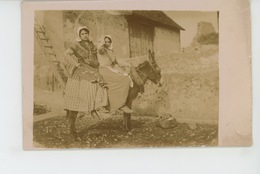 INDRE - Belle Carte Photo Fermières Avec âne Postée à ARGENTON SUR CREUSE , Destinataire Résidant à BELABRE - France