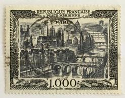 Timbre France Poste Aérienne YT 29 (°) Obl 1950 Vue De Paris 1000f Noir (côte 30 Euros) – 62 - 1927-1959 Afgestempeld
