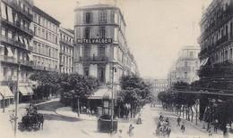 ALGÉRIE. ALGER. CPA. RUE DUMONT D'URVILLE ET RUE HENRI MARTIN. ANIMATION. ANNÉE 1919 + TEXTE - Algerien