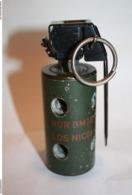 Grenade Flash Bang Percutée BTV-1 OTAN - Armes Neutralisées