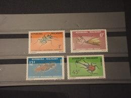 MADAGASCAR - 1966 INSETTI 2 + 2 VALORI - NUOVI(++) - Madagascar (1960-...)