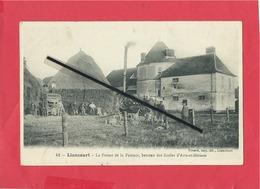 CPA -  Liancourt - La Ferme De La Faïence, Berceau Des écoles D'Arts Et Métiers (travaux Des Champs , Ancienne Batteuse) - Liancourt