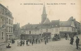 """/ CPA FRANCE 78 """"Chevreuse, Place Des Halles, Le Clocher"""" - Frankrijk"""