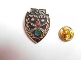 Beau Pin's , Armée Militaire ,  Insigne Infanterie - Armee