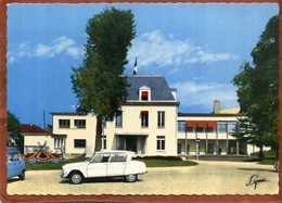 78  CPSM ARGENTEUIL  La Mairie  Voitures  Citroen Ami6 Et Renault 4L     Très Bon état - Argenteuil