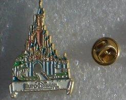 EURO DISNEY DISNEYLAND PARIS LE CHATEAU DE CENDRILLON   DDDD  094 - Disney
