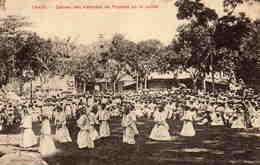 TAHITI  - Danses Des Vahinées De Papéete Au 14 Juillet - Polinesia Francese