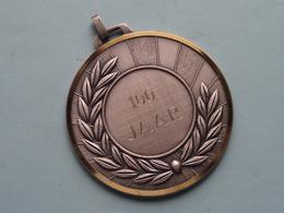 100 Jaar : 1893 - 1993 Koninklijke Bond Der GENTSE OUD-WEESJONGENS ( 6 Cm. / 70 Gr. ) ! - Bélgica