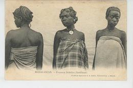 ETHNIQUES ET CULTURES - AFRIQUE - MADAGASCAR - Femmes Betsiléo (Intérieur) - Africa