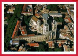 CPM-34- MONTPELLIER - Vue Aérienne De La Faculté De Médecine Et La Cathédrale St-Pierre *SUP * 2 SCAN- - Montpellier