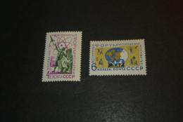 K24575 -set  Mint Hinged  Russia -  1961 - - Ruimtevaart
