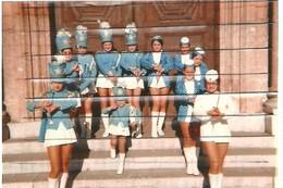 13 - ISTRES - PHOTO DES MAJORETTES - Musik Und Musikanten