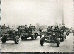 CPSM - Libération De Paris - L'Artillerie Américaine Place De La Concorde, Très Animé - Weltkrieg 1939-45