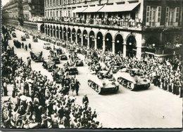 CPSM - Libération De Paris - Défilé Des Troupes De L'Armée Leclerc Rue De Rivoli, Très Animé - Weltkrieg 1939-45