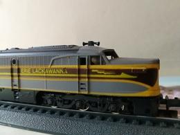 SCALA N. SPUR N. Loco DIESEL PA 1 - ERIE LACKAWANNA - CON COR 2061 - Locomotoras