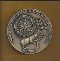 Medalla De Bronce De La Universidad Nacional De Educación A Distancia, Madrid. Mide 9cm. Dos Caras Prueba De Autor. Raro - Altri