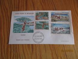 2 Enveloppes 1er Jour Saint-Pierre Et Miquelon Tourisme 1969 - FDC