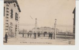 CPA REIMS (51) QUARTIER DE CAVALERIE (22e DRAGONS) - ANIMEE - Reims