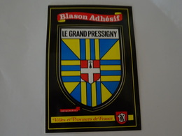 Blason écusson Autocollant Adhésif Coat Of Arms Sticker Aufkleber Wappen Le Grand Pressigny - Obj. 'Souvenir De'