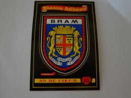 Blason écusson Autocollant Adhésif Coat Of Arms Sticker Aufkleber Wappen Bram (Aude) - Obj. 'Souvenir De'