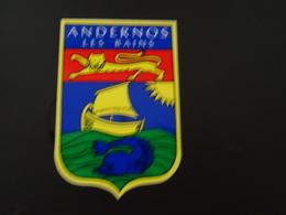 Blason écusson Autocollant Adhésif Coat Of Arms Sticker Aufkleber Wappen Andernos Les Bains (Gironde) - Obj. 'Souvenir De'