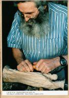 X29095  CHATEAUNEUF-LE-FAOU Finistere Marcel THEOTEC Sculpteur Sur Bois Photo LAVERSANNE 1991 C.M.T.B N°69 CARTOUEST - Châteauneuf-du-Faou