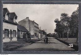 Carte Postale 62. Bertincourt  Estaminet Grande Rue Trés Beau Plan - Bertincourt