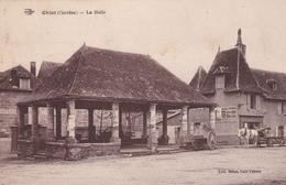 AVIT18- OBJAT  EN CORREZE  LA HALLE  ATTELAGE CHARETTE     CPA  CIRCULEE - Francia