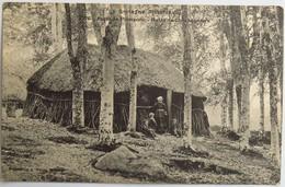 C. P. A. : 35 Forêt De PAIMPONT : Hutte De Charbonniers, Animé - Paimpont