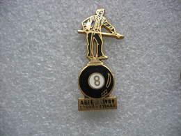 Pin's Du Club De L'étoile à ESCHAU (Dépt 67) Au Restaurant De L'etoile - Billard