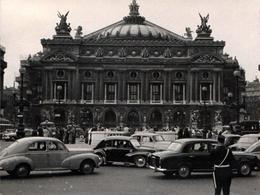 Photo Originale Bouchons Parisiens Vers 1960 - Peugeot 203, 403, Renault 4 Cv, Goelette, & Simca Aronde & Gendarme - Automobiles