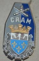 Rare Insigne Centre Régional Administratif Du Matériel 3° CA, 1° R.M. - Heer