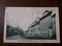 L26/130 GUIGNES RABUTIN - RUE DE TROYES - Otros Municipios