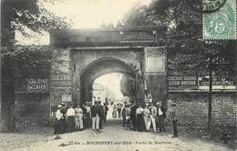 "/ CPA FRANCE 17 ""Rochefort Sur Mer, Porte De Martrou"" - Rochefort"