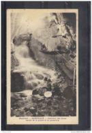 38173 . SASSENAGE . INTERIEUR DES CUVES . SORTIE DE LA GROTTE ET LA PASSERELLE . 1941 - Sassenage