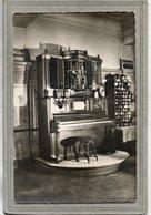 CPSM Dentelée - MUNSTER (68) - Hôtel De La Cigogne; Orchestre VIOLINA De Piano Et Violons Mécanique Et Automatique - Munster