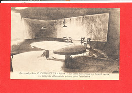 02 HOMBLIERES Cpa Au Presbytere Table Historique - Other Municipalities