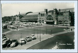 W1M62/ Haarlem Station Bahnhof  AK Va.1960 Mit VW Käfer + Citrön Ente - Paesi Bassi