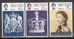 Brunei - Correo Yvert 233/5 ** Mnh  Isabel II - Brunei (1984-...)