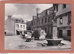CONCARNEAU  Dans  La VILLE CLOSE FONTAINE Place St Guenelet - Concarneau