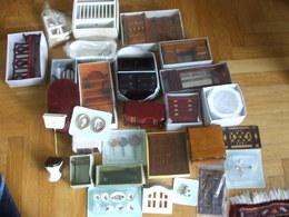 Lotto 74 Miniature Accessori Per Casette,case Di Bambole Ecc. - Mobilier